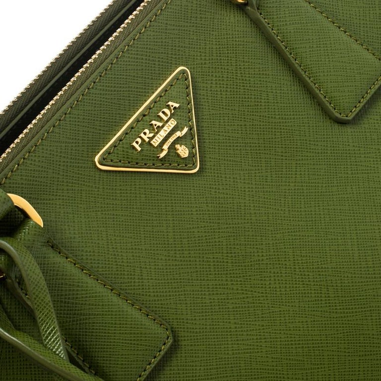 Prada Green Saffiano Lux Leather Large Double Zip Tote For Sale 2