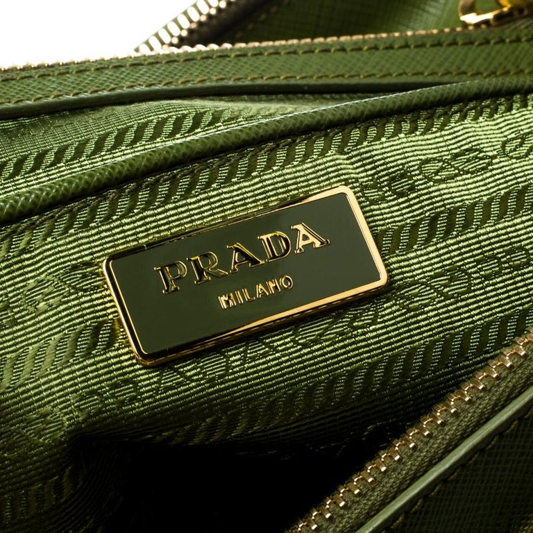 Prada Green Saffiano Lux Leather Large Double Zip Tote For Sale 4