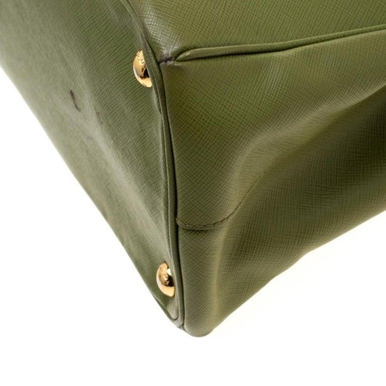 Prada Green Saffiano Lux Leather Parabole Tote For Sale 7