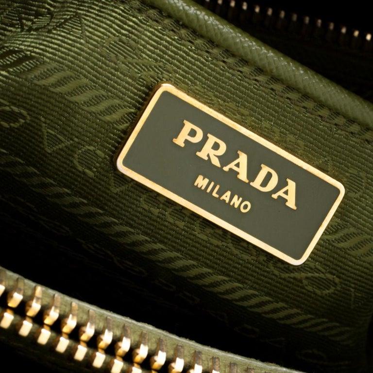 Prada Green Saffiano Lux Leather Parabole Tote For Sale 5