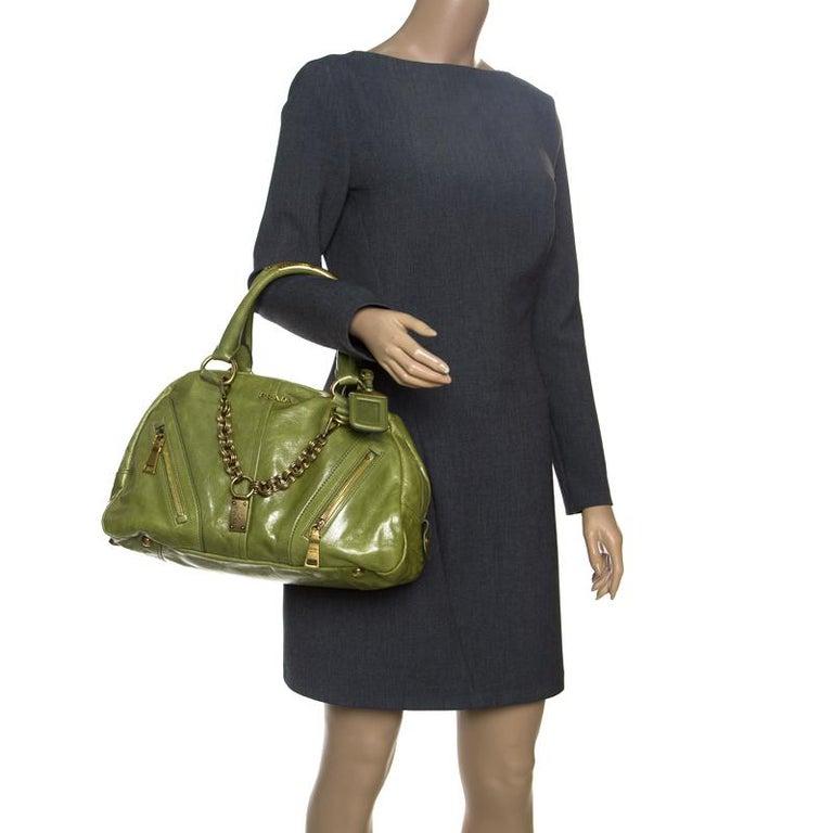 Prada Green Vitello Shine Leather Bowler Bag In Good Condition For Sale In Dubai, Al Qouz 2