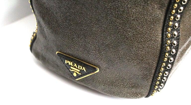 Women's Prada Grey Leather Shoulder Bag For Sale