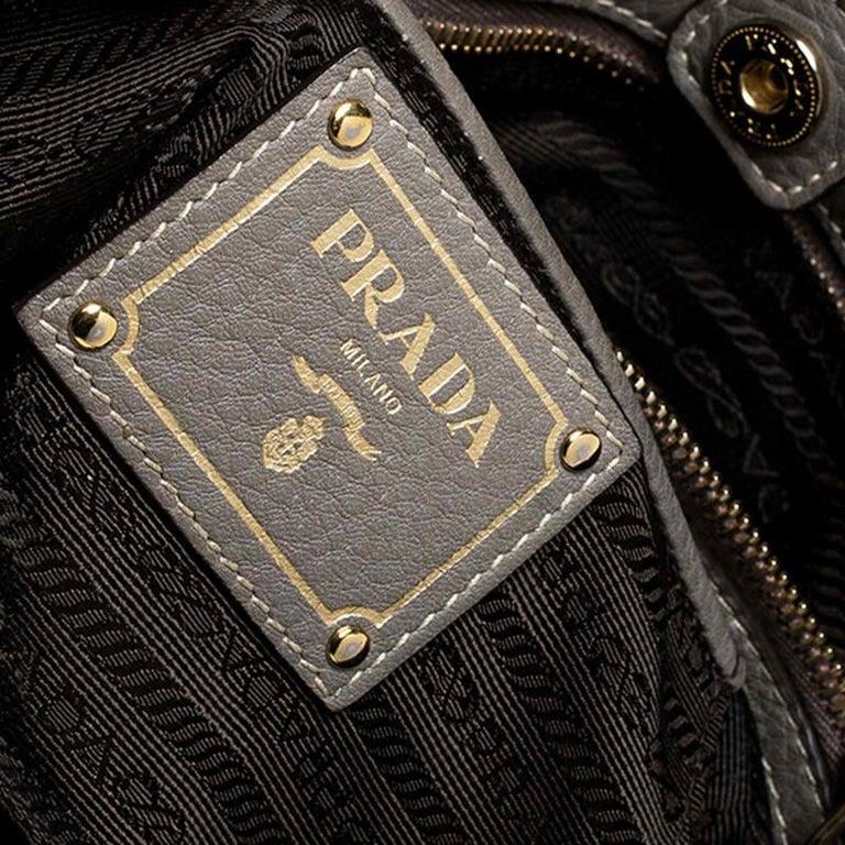 Prada Grey Leather Vitello Daino Tote For Sale 6