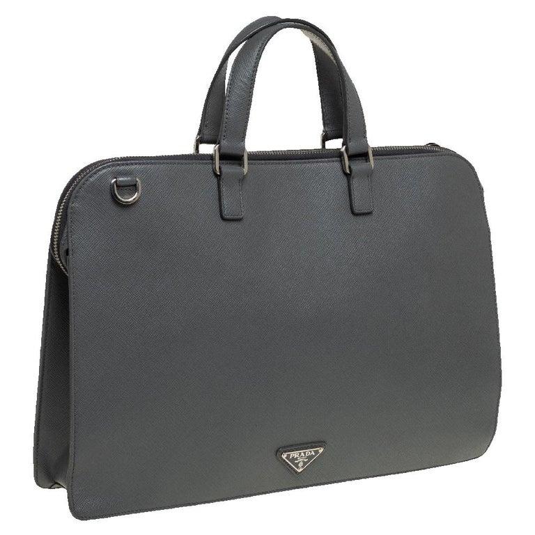 Prada Grey Saffiano Lux Leather Travel Briefcase In Good Condition For Sale In Dubai, Al Qouz 2