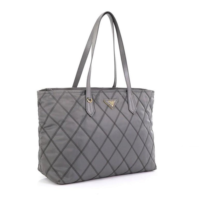 Prada Impunto Zip Tote Quilted Tessuto Large In Good Condition For Sale In New York, NY