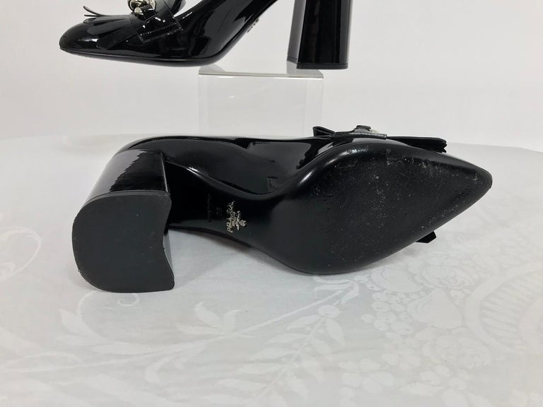Prada Kiltie Chain Pumps Black Patent Leather 38 For Sale 1