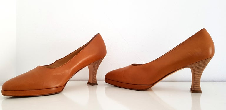 Prada Leather Heels.  Color Camel Heel height: 8 cm Conditions: Medium Size 40 Made in Italy