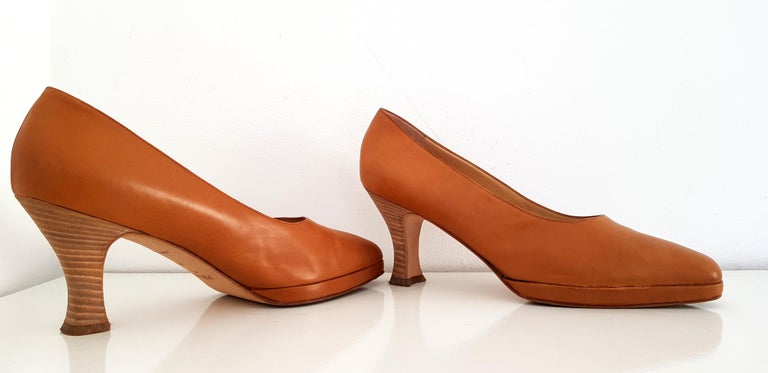 Brown Prada Leather Heels. Size 40 For Sale
