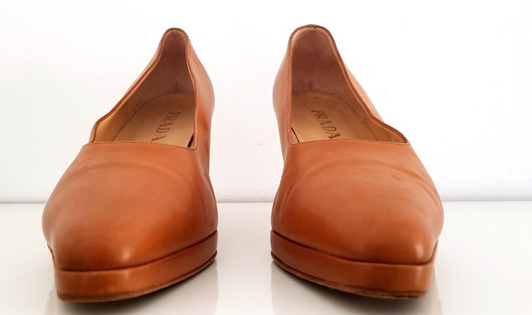Women's Prada Leather Heels. Size 40 For Sale