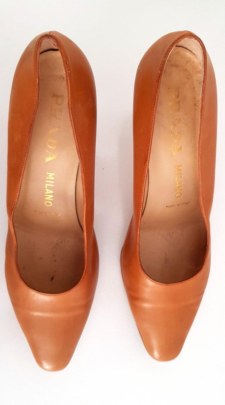 Prada Leather Heels. Size 40 For Sale 1