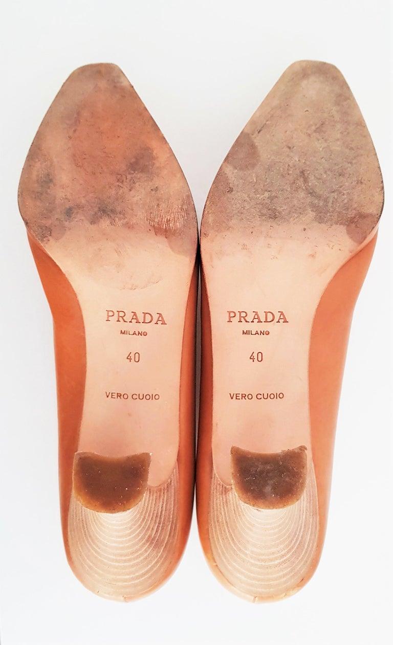 Prada Leather Heels. Size 40 For Sale 2