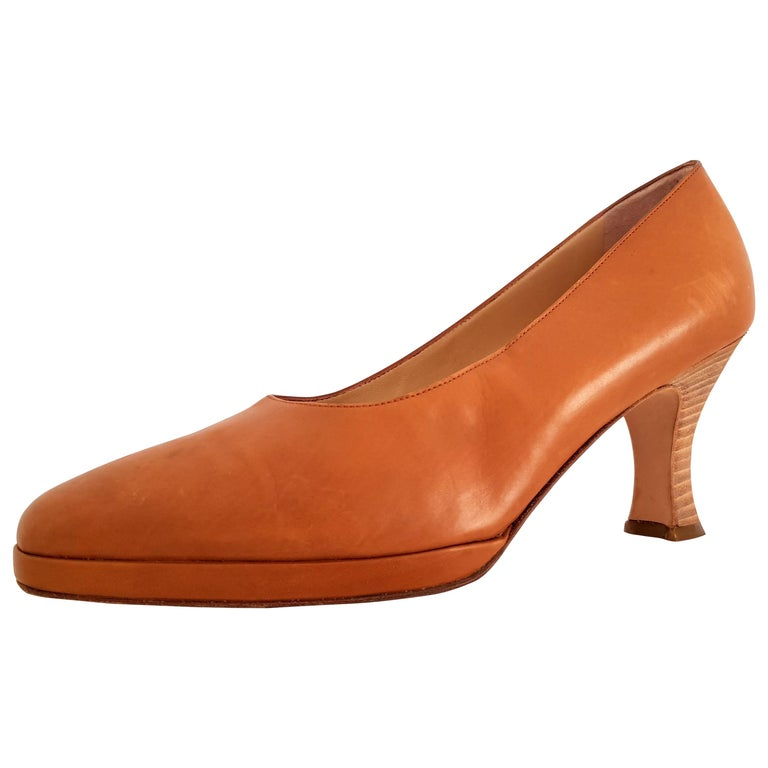 Prada Leather Heels. Size 40 For Sale
