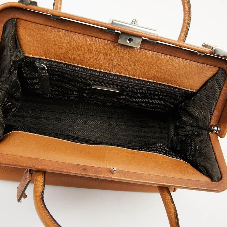 Prada Light Brown Doctor's Bag In Good Condition For Sale In Paris, FR