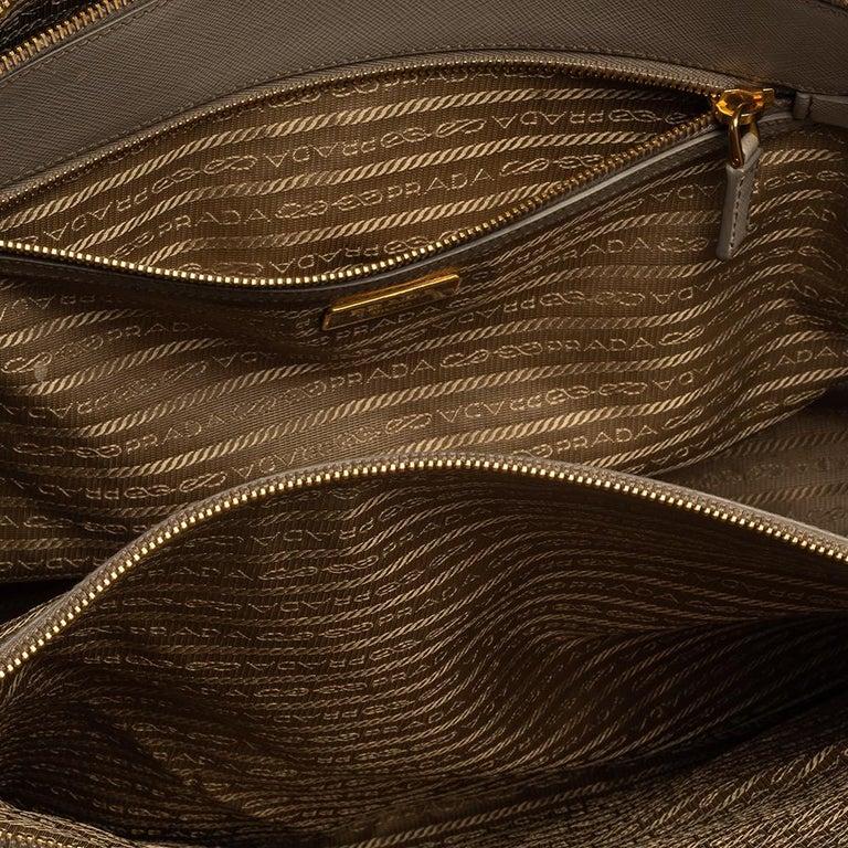Prada Light Grey Saffiano Lux Leather Executive Double Zip Tote For Sale 5