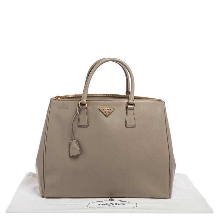 Prada Light Grey Saffiano Lux Leather Executive Double Zip Tote For Sale 6