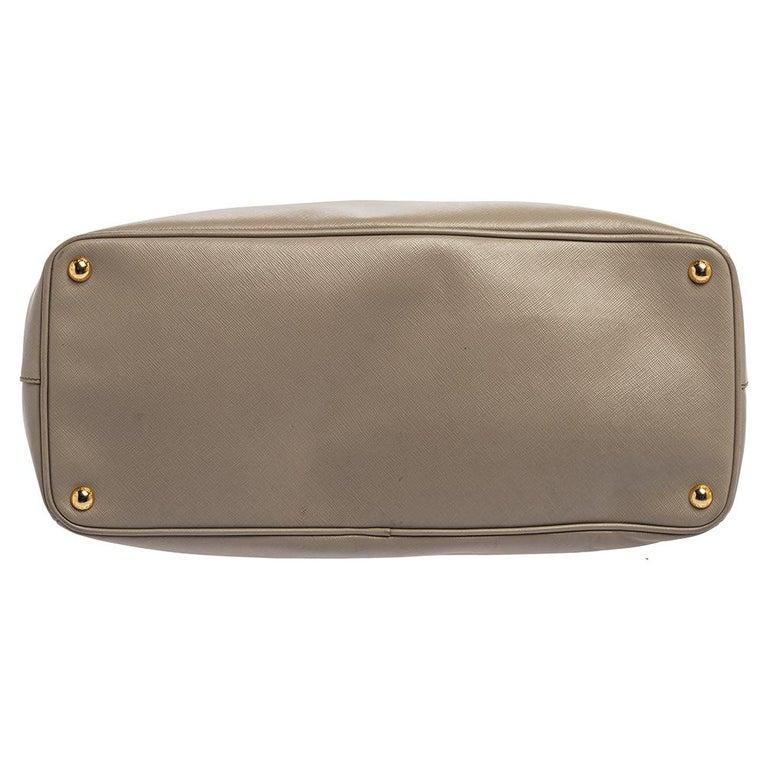 Women's Prada Light Grey Saffiano Lux Leather Executive Double Zip Tote For Sale