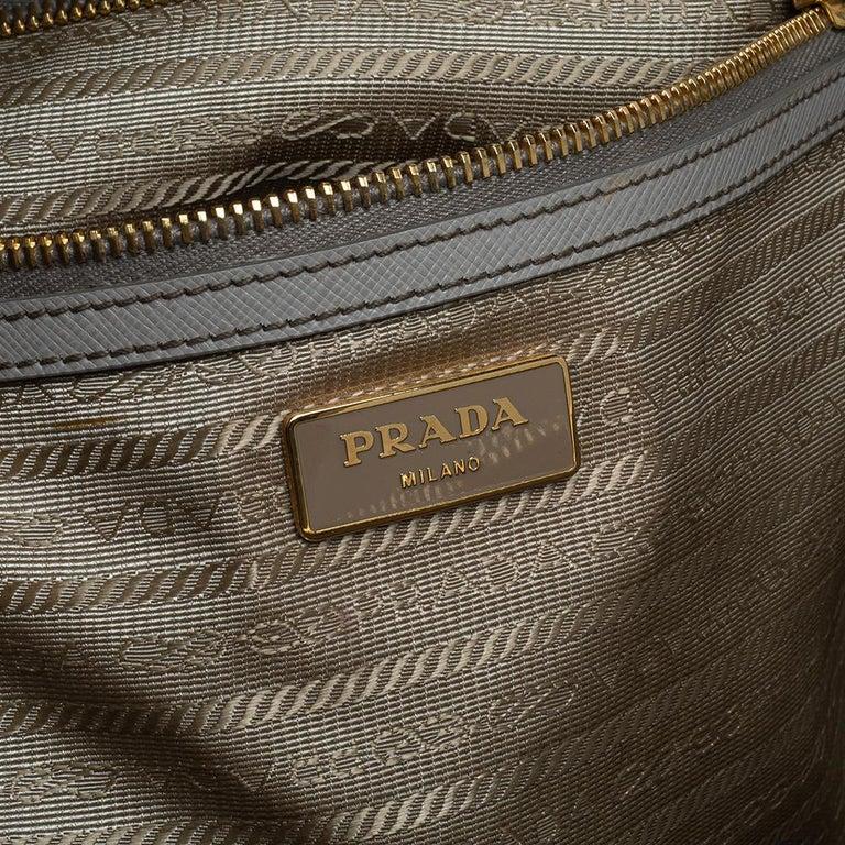 Prada Light Grey Saffiano Lux Leather Executive Double Zip Tote For Sale 4