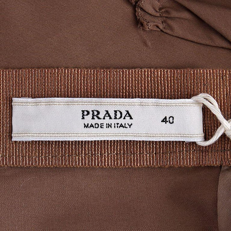 PRADA light khaki brown cotton GATHERED Cocktail Dress 40 In Excellent Condition For Sale In Zürich, CH