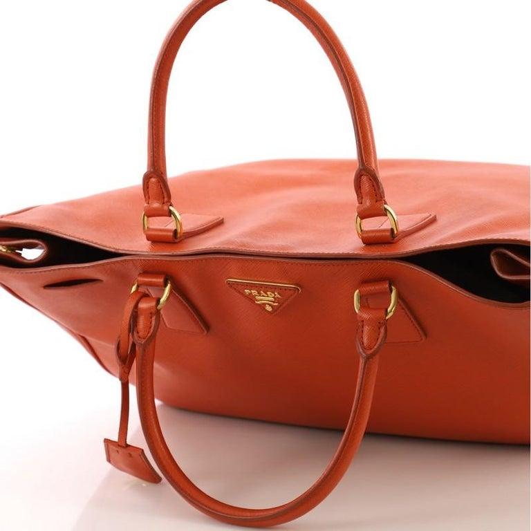 426924d46a508 Prada Lux Offene Tote Saffiano Leder