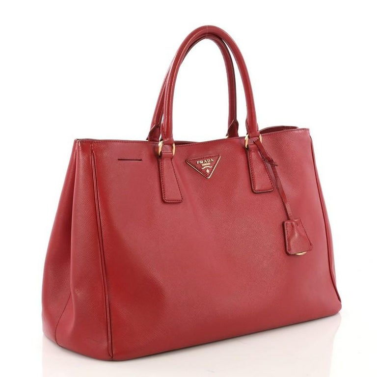 a315544137b1aa Prada Lux Open Tote Saffiano Leather Medium For Sale at 1stdibs
