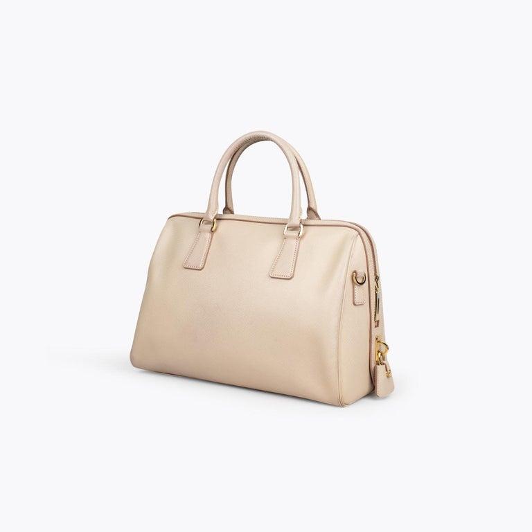 Prada Lux Saffiano Zip Bag In Good Condition For Sale In Sundbyberg, SE