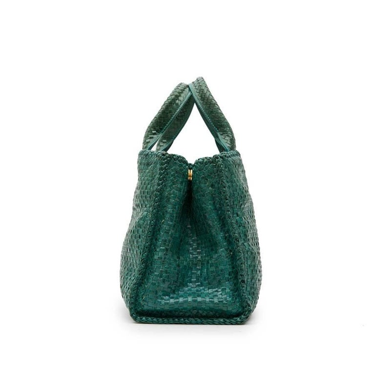PRADA 'Madras' Shopping Bag in Peacock Green Braided Leather In Good Condition For Sale In Paris, FR
