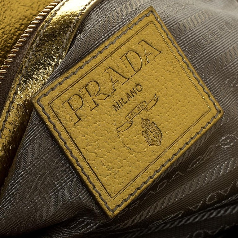 Prada Metallic Gold Straw and Leather Frame Bag For Sale 3