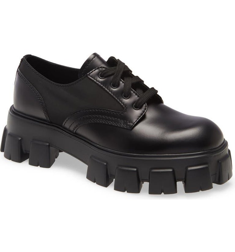 Black Prada Monolith Leather Lace-Up Derby Shoes (US 10) For Sale