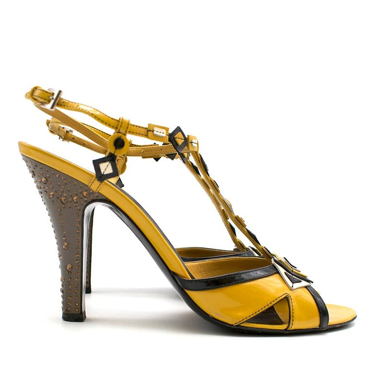 Prada mustard yellow patent embellished heel sandals 39.5 In Excellent Condition For Sale In London, GB