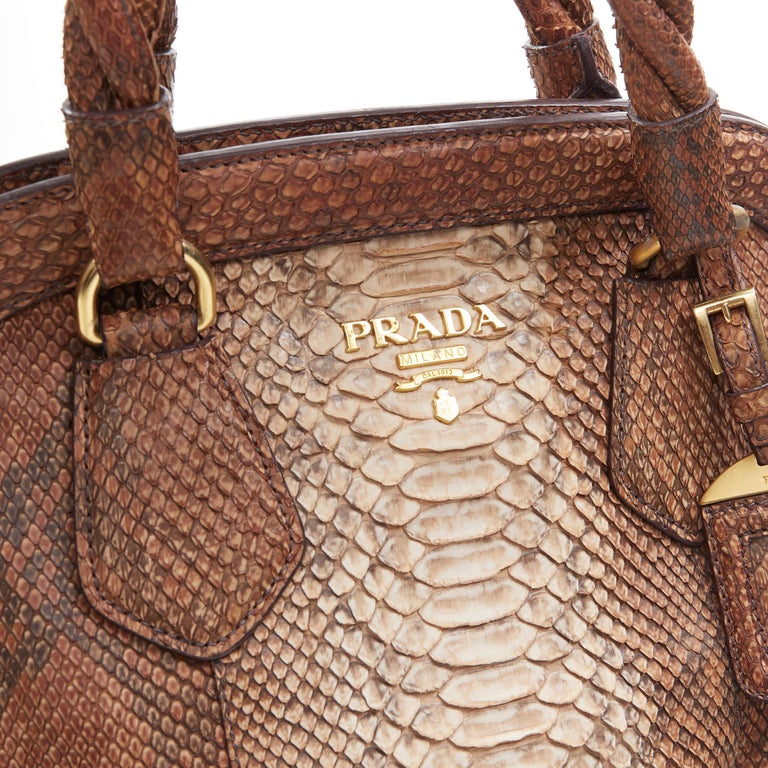 PRADA natural scaled leather twisted rolled handle curved magnet close bag For Sale 2