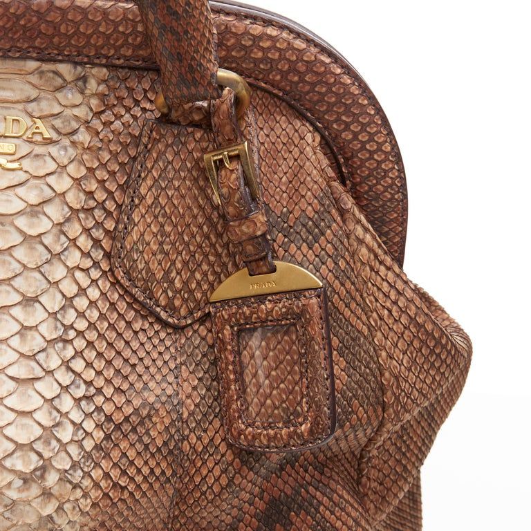 PRADA natural scaled leather twisted rolled handle curved magnet close bag For Sale 3