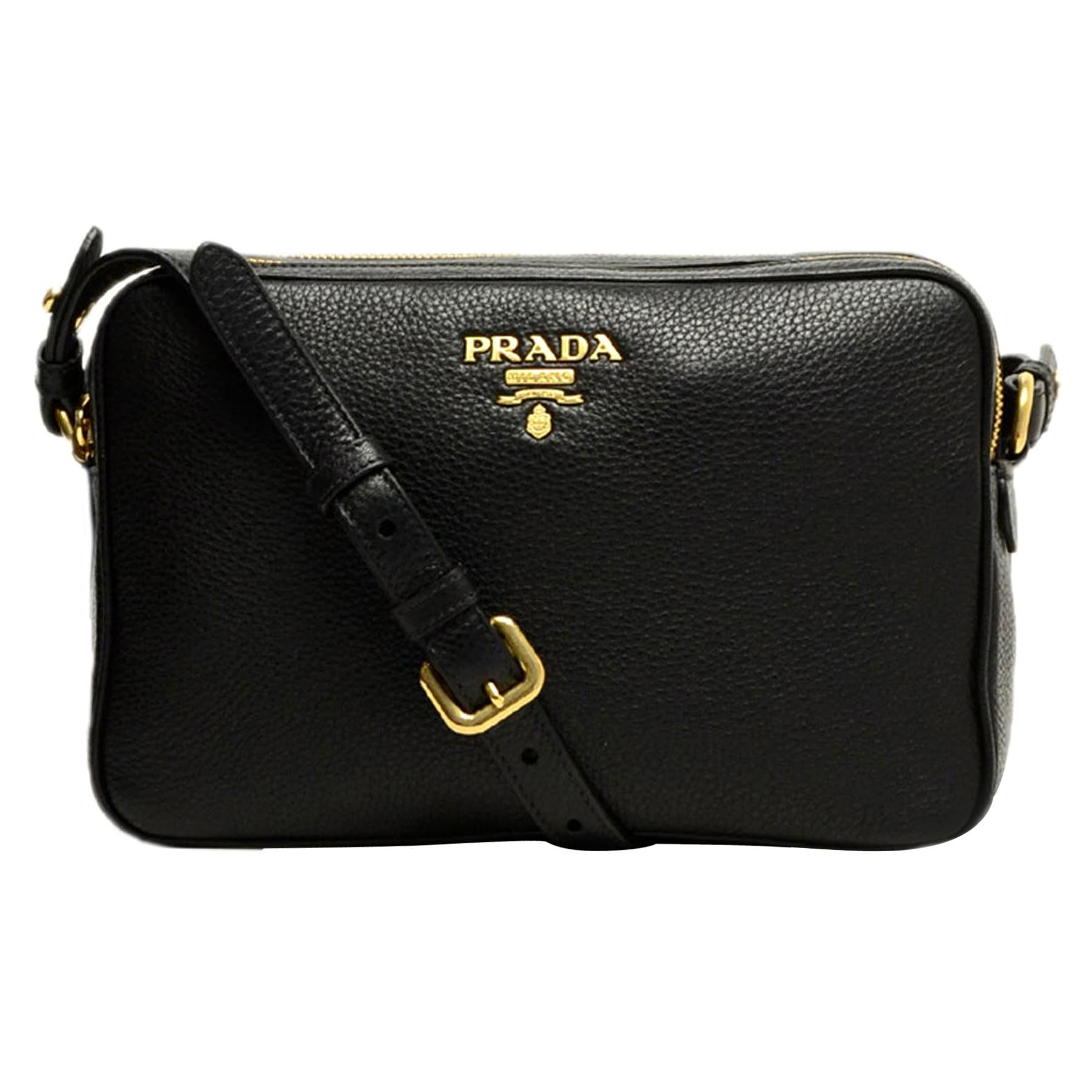 fb9c6dce905 Vintage Prada Crossbody Bags and Messenger Bags - 143 For Sale at 1stdibs