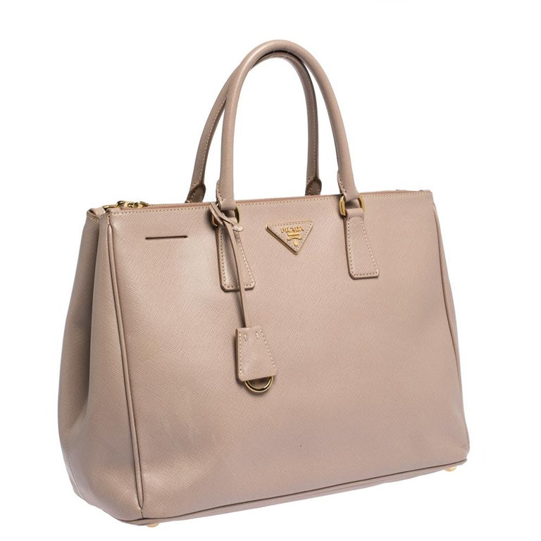 Women's Prada Nude Beige Saffiano Lux Leather Large Double Zip Tote For Sale