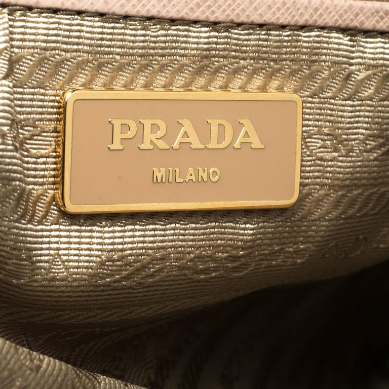 Prada Nude Beige Saffiano Lux Leather Large Double Zip Tote For Sale 3