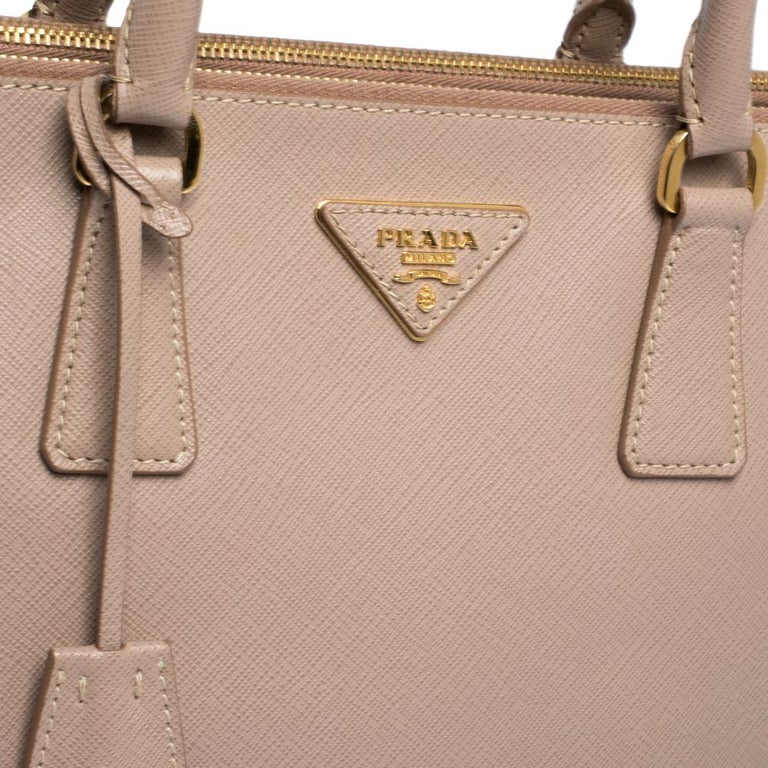 Prada Nude Beige Saffiano Lux Leather Large Double Zip Tote For Sale 4
