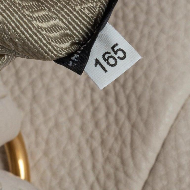 Prada Off White Vitello Daino Leather Zip Hobo For Sale 7