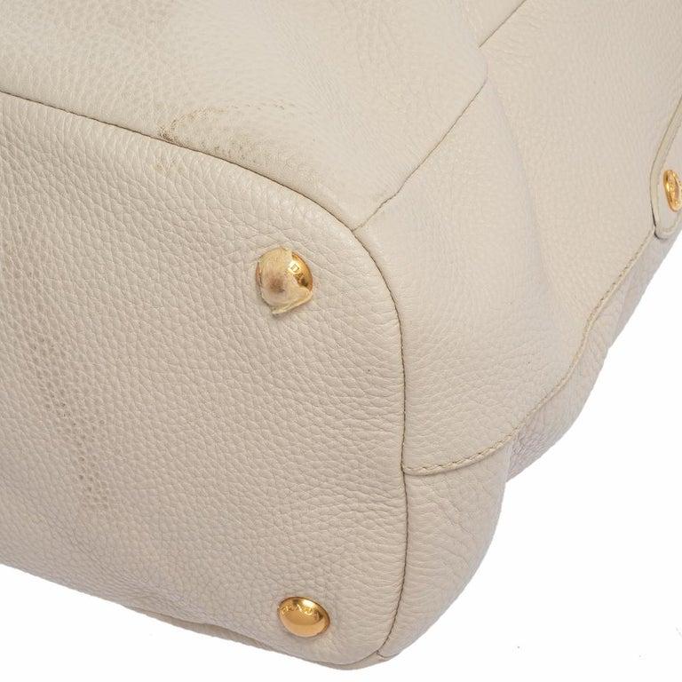 Prada Off White Vitello Daino Leather Zip Hobo For Sale 3