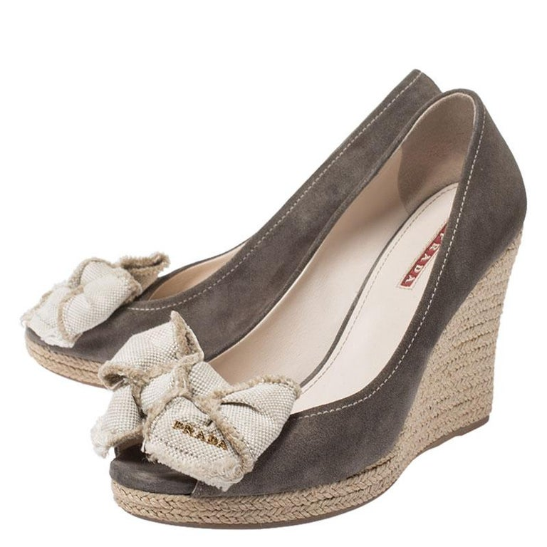 Women's Prada Olive Green/Beige Suede and Canvas Bow Peep Toe Wedge Pumps Size 38.5 For Sale