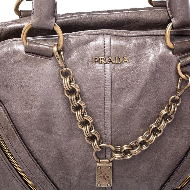 Prada Olive Green Leather Front Zip Boston Bag For Sale 3