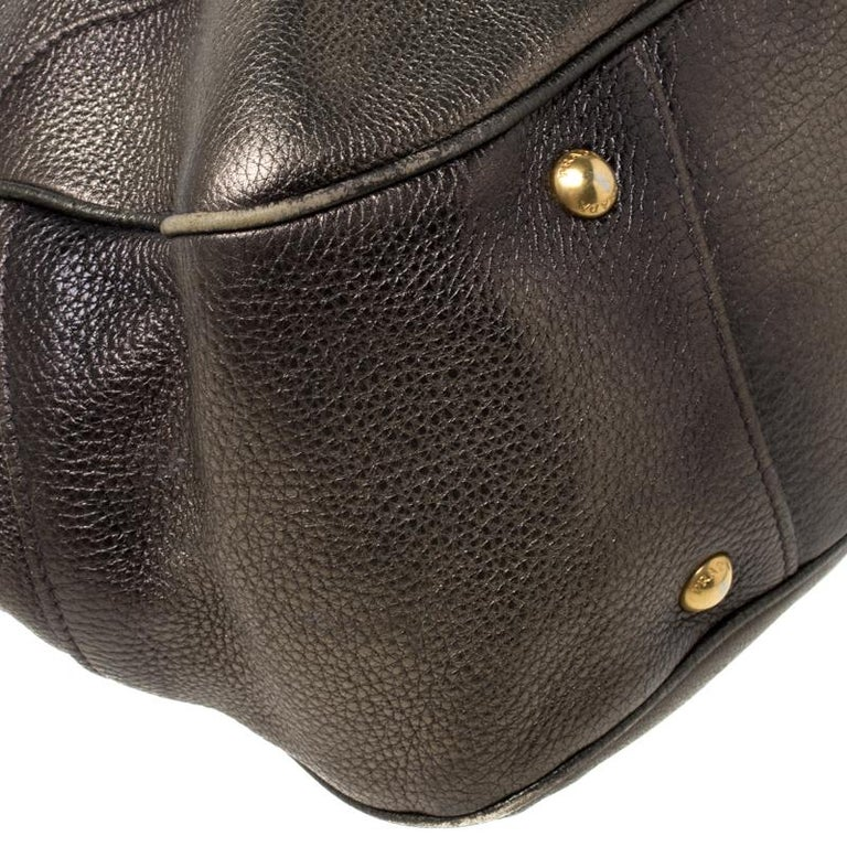 Prada Olive Green Metallic Vitello Daino Leather Hobo For Sale 5