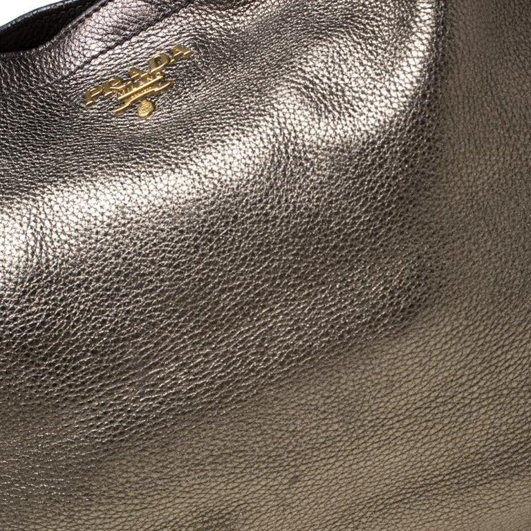 Prada Olive Green Metallic Vitello Daino Leather Hobo For Sale 3