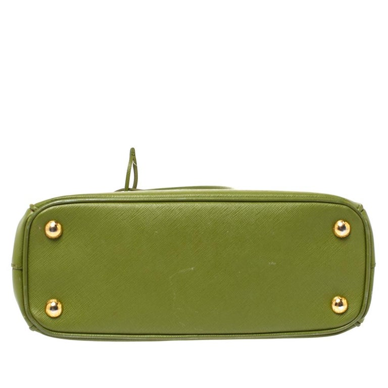 Women's Prada Olive Green Saffiano Lux Leather Small Double Zip Tote For Sale