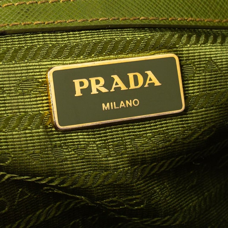 Prada Olive Green Saffiano Lux Leather Small Double Zip Tote For Sale 2