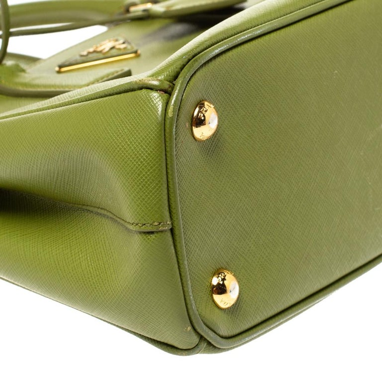 Prada Olive Green Saffiano Lux Leather Small Double Zip Tote For Sale 3
