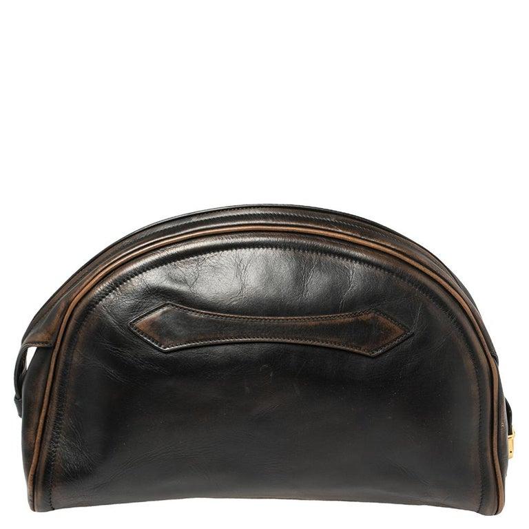 Prada Ombre Black Vitello Vintage Leather Large Dome Clutch In Good Condition For Sale In Dubai, Al Qouz 2