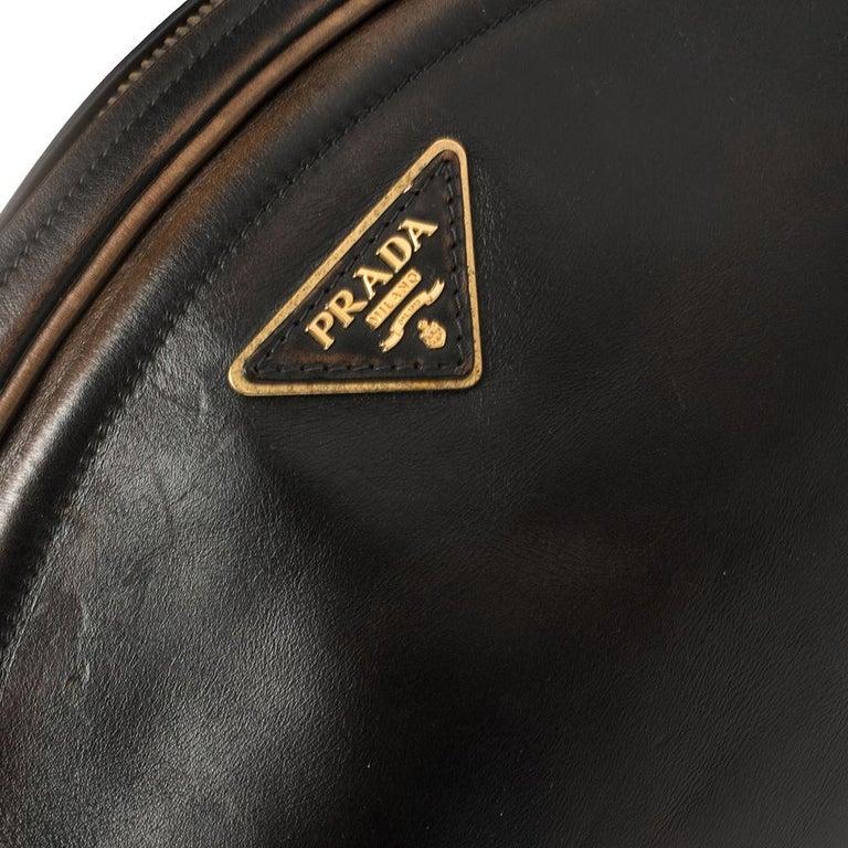 Prada Ombre Black Vitello Vintage Leather Large Dome Clutch For Sale 2