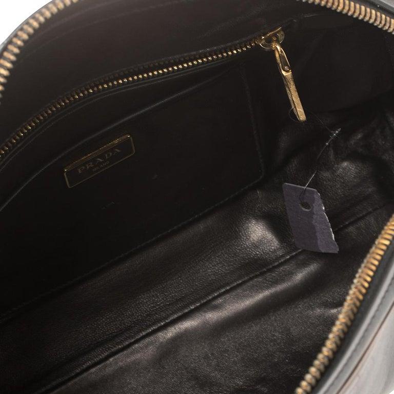 Prada Ombre Black Vitello Vintage Leather Large Dome Clutch For Sale 3