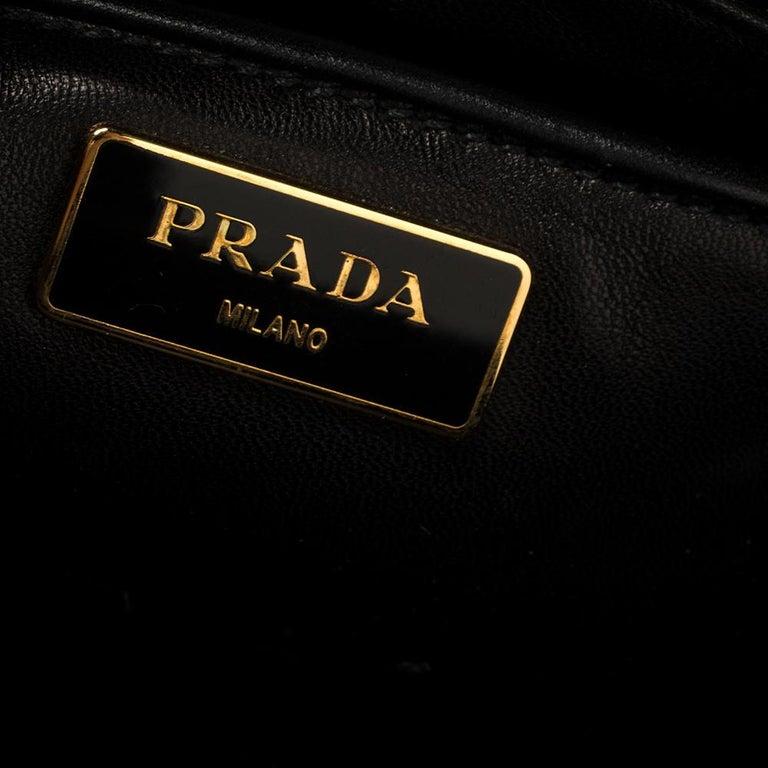 Prada Ombre Black Vitello Vintage Leather Large Dome Clutch For Sale 4