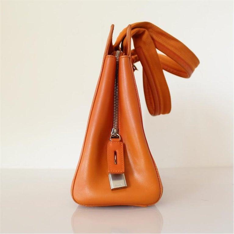 Prada Orange Leather Bag In Good Condition For Sale In Gazzaniga (BG), IT