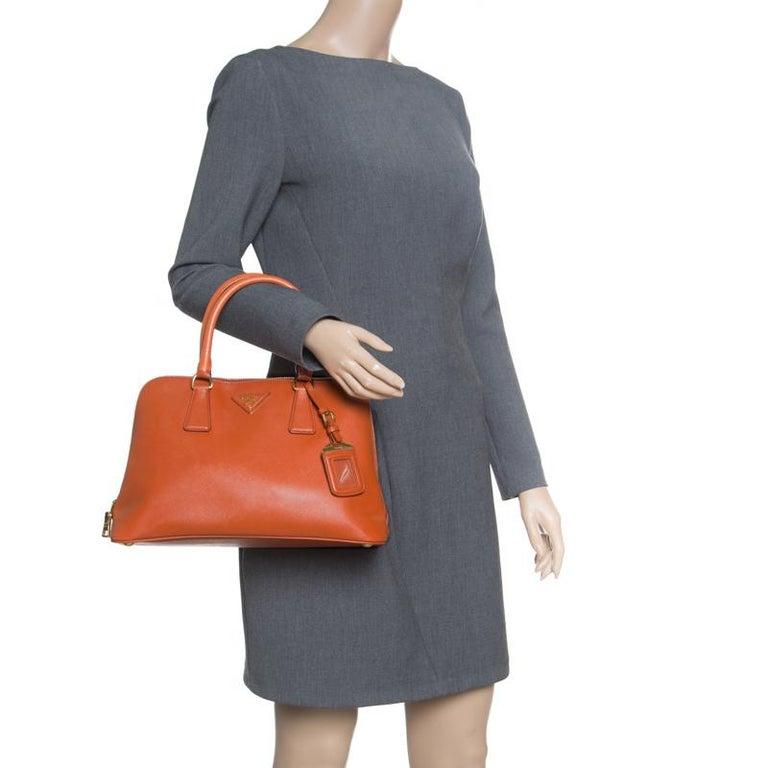 Prada Orange Saffiano Lux Leather Promenade Tote In Good Condition In Dubai, Al Qouz 2
